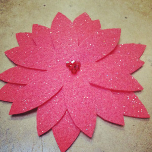 How to Sew a Poinsettia