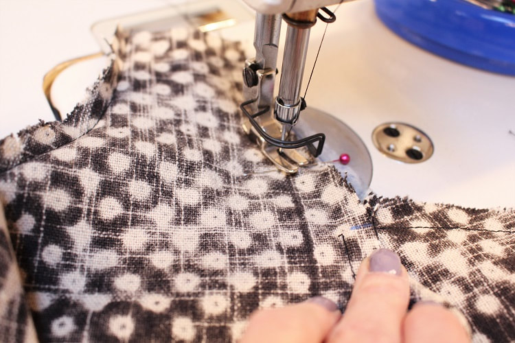 Sewing a Knot Bag